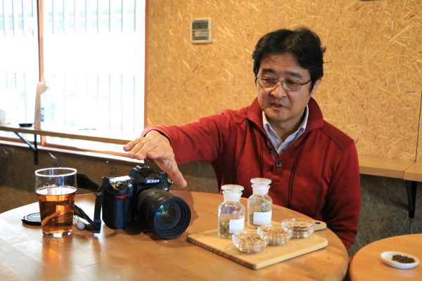 カメラについて語る菊池さん